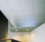Как оклеить потолок панелями?