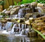 Искусственный водоем с пленочной гидроизоляцией на дачном участке