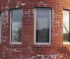 Очистка стен дома от белого налета