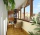 Делаем застекленный балкон красивым со всех сторон